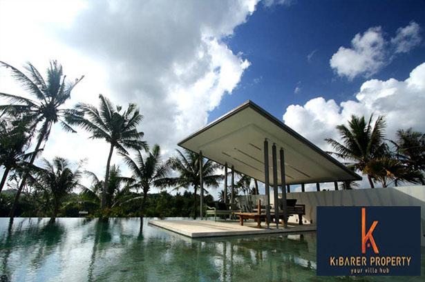 Incroyable villa architecturale à vendre à Canggu  3 chambres