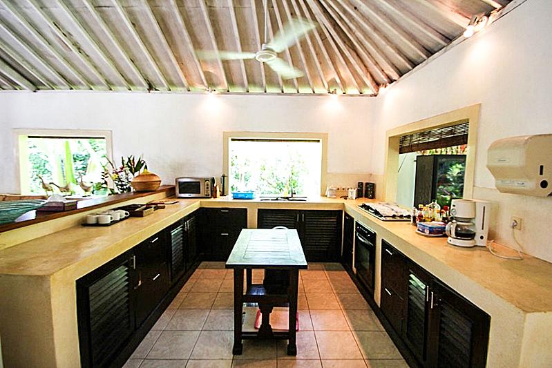 Good Location Villa for Sale in Batu Belig