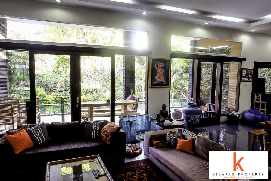 Bel emplacement villa de 4 chambres à vendre à Kerobokan
