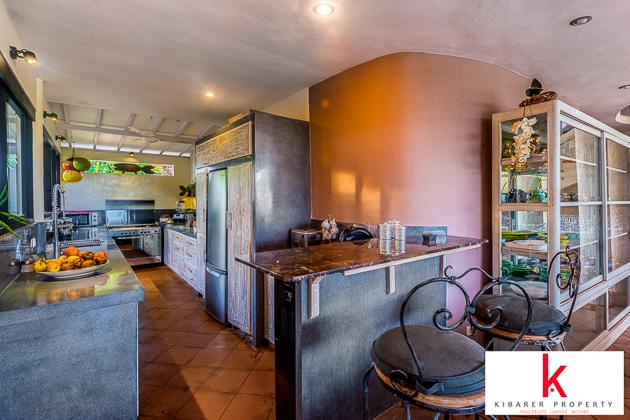 URGENT Villa in Oberoi Half price