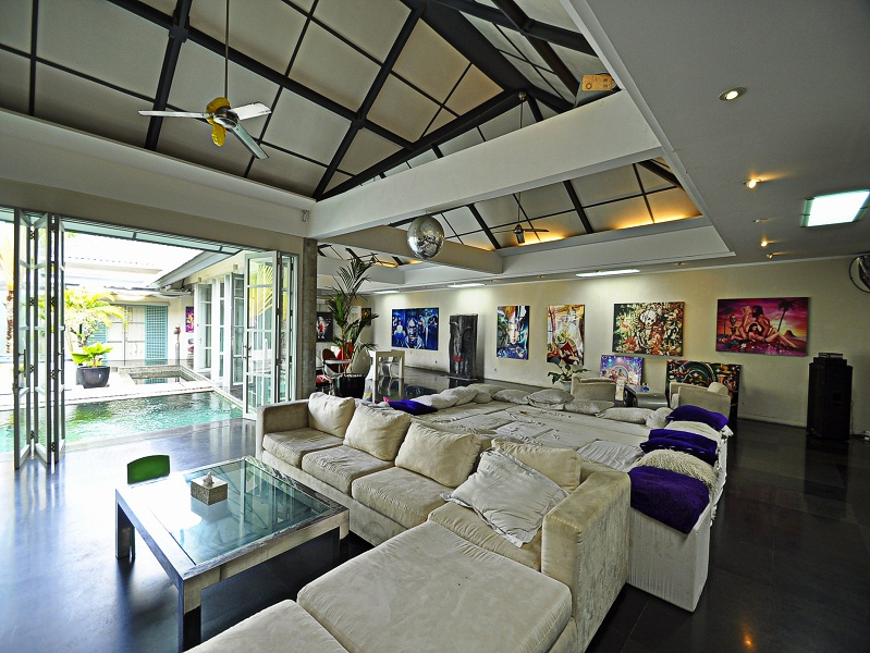 Great leasehold villa for sale in Sanur