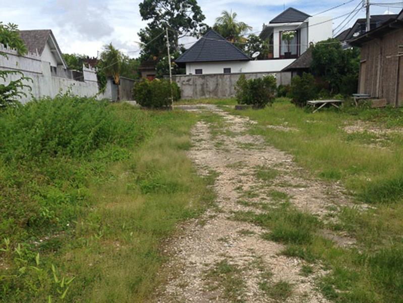 Freehold prime location 3 are - Canggu Brawa