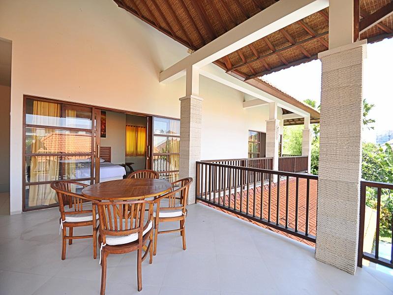 Leasehold villa for sale in Petitenget
