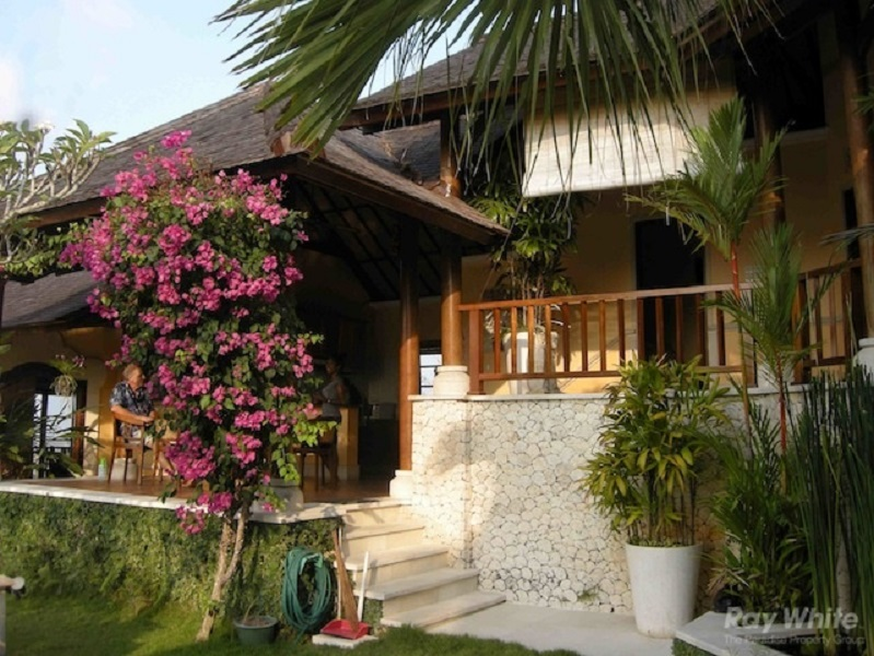Stunning 3 Bedroom Freehold Real Estate With Amazing Views For Sale in Jimbaran