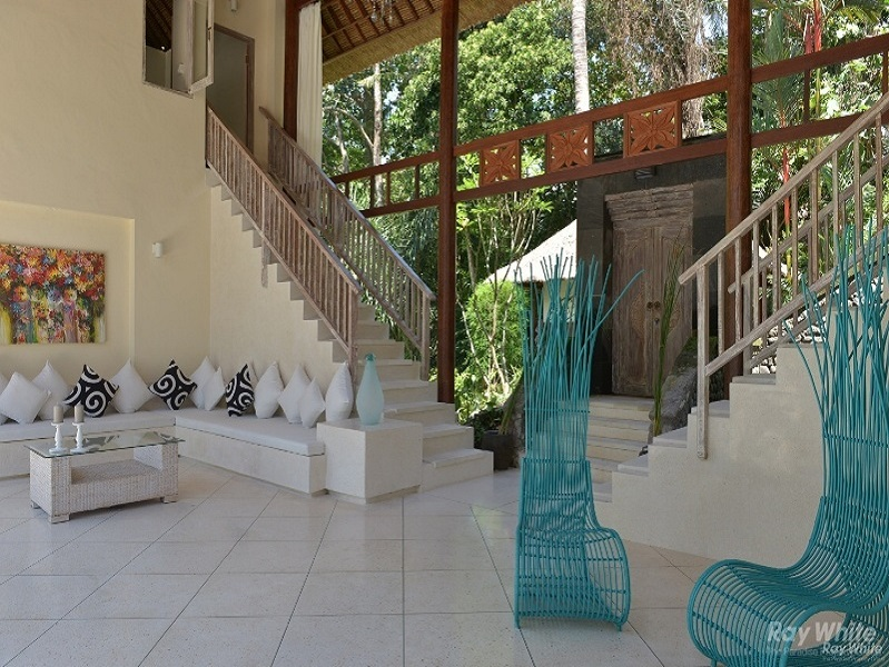 Gorgeous 5 Bedrooms Riverside Leasehold Property For Sale in Cepaka