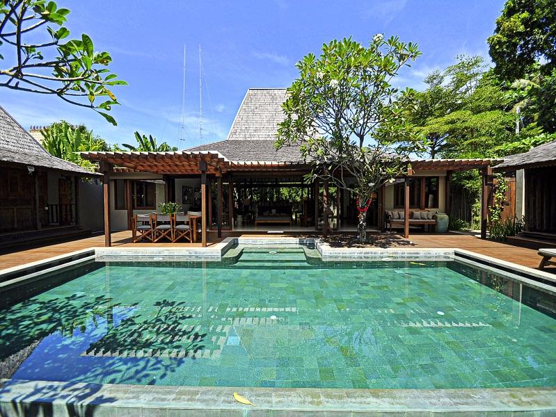 Amazing leasehold property for sale in Batu Belig