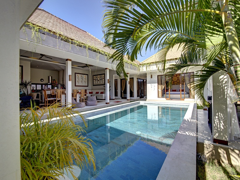 Under market price leasehold villa for sale in Seminyak