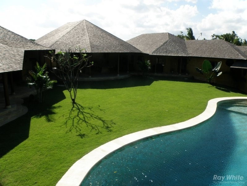 Magnificent 5 Bedrooms Freehold Property For Sale In Tanah Lot