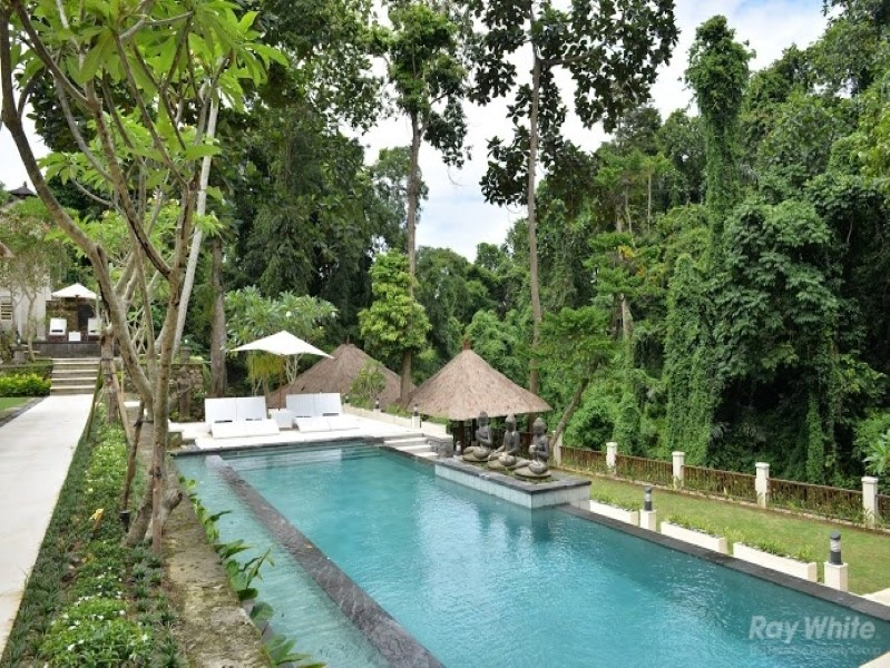 Artistic 5 Bedrooms Riverside Leasehold Real Estate for Sale In Cepaka Tabanan