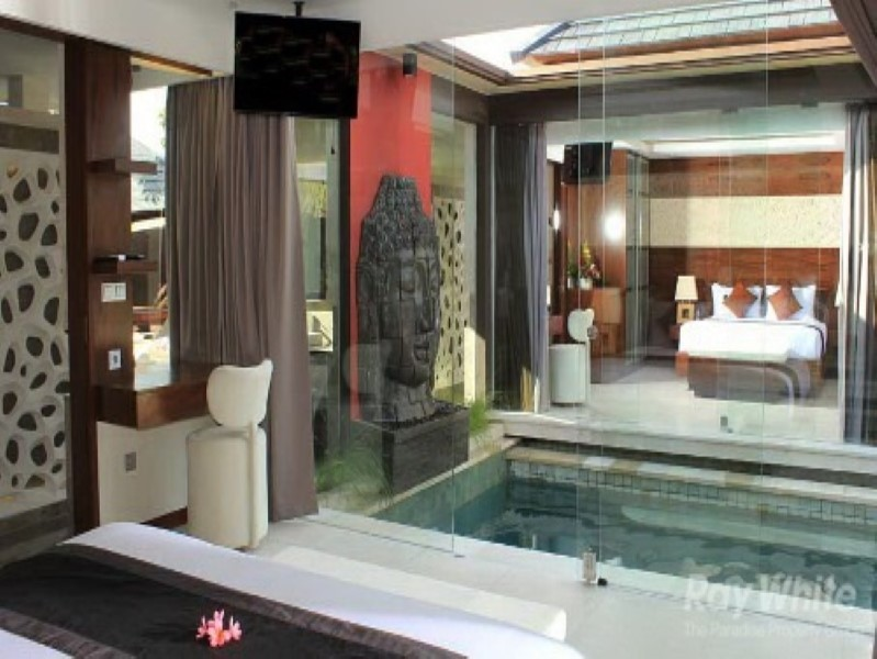 14 Bedrooms Stunning Leasehold Real Complex For Sale In Seminyak Just Footsteps Away From The Ocean