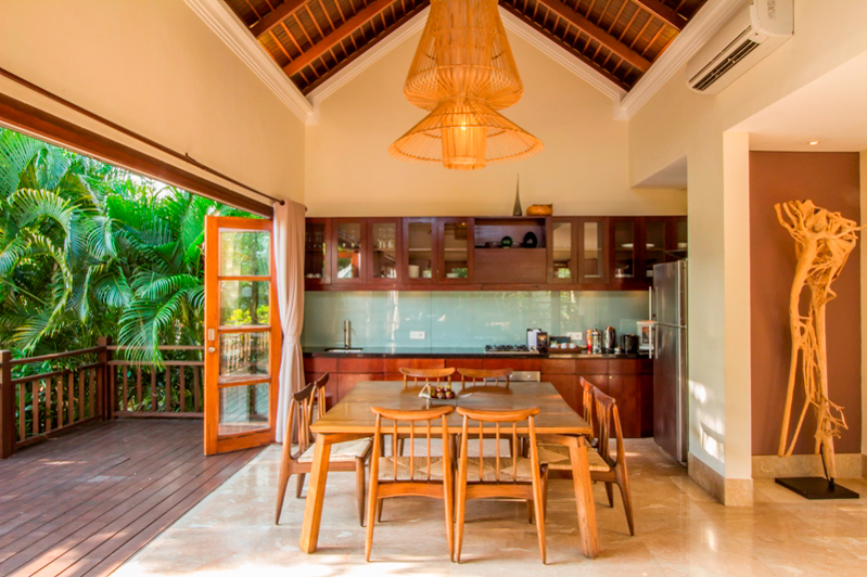 Freehold Villa for Sale With Access to Private Beach in Bukit