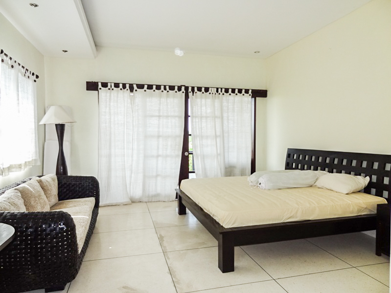 Cozy Freehold Villa for Sale Close to the Berawa Beach