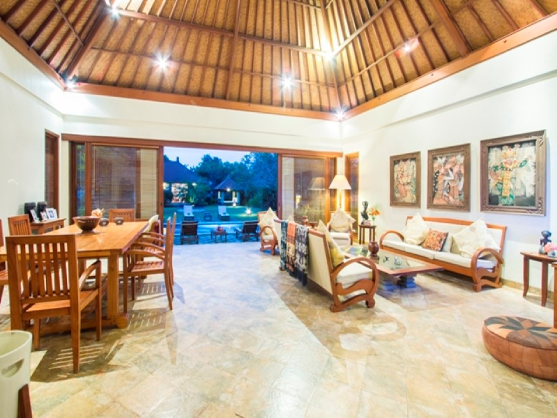 Marvelous 5 Bedrooms Freehold Real Estate For Sale in Nusadua