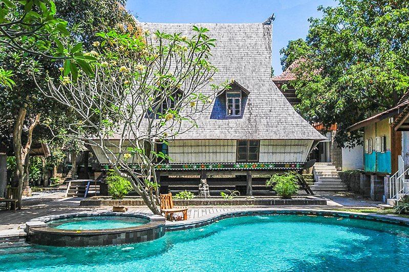 Spacious traditional villa for sale in Canggu