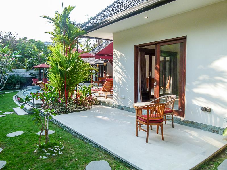 Villa bergaya tradisional dan glamor di Berawa, Canggu