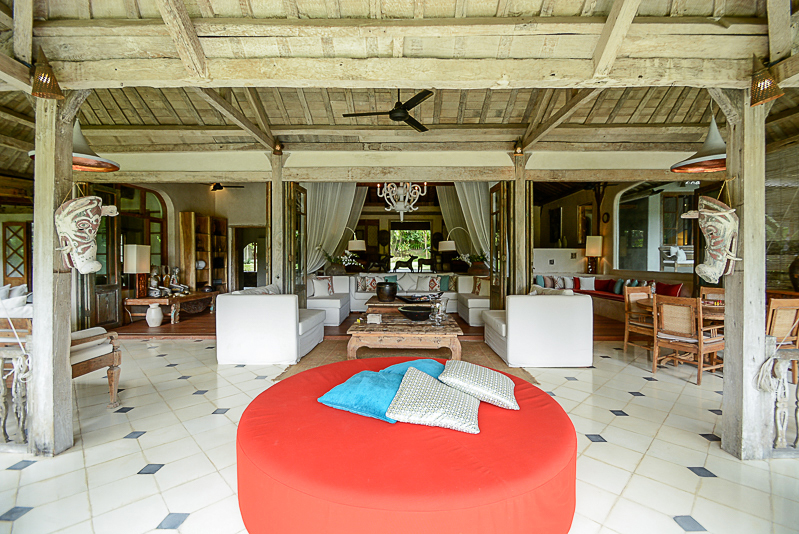 Stunning traditional villa with spacious land for sale in Umalas