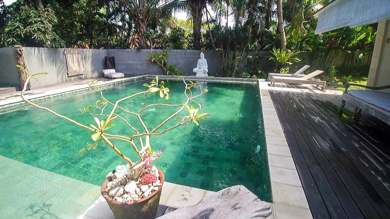 Comfortable traditional villa for sale in Umalas