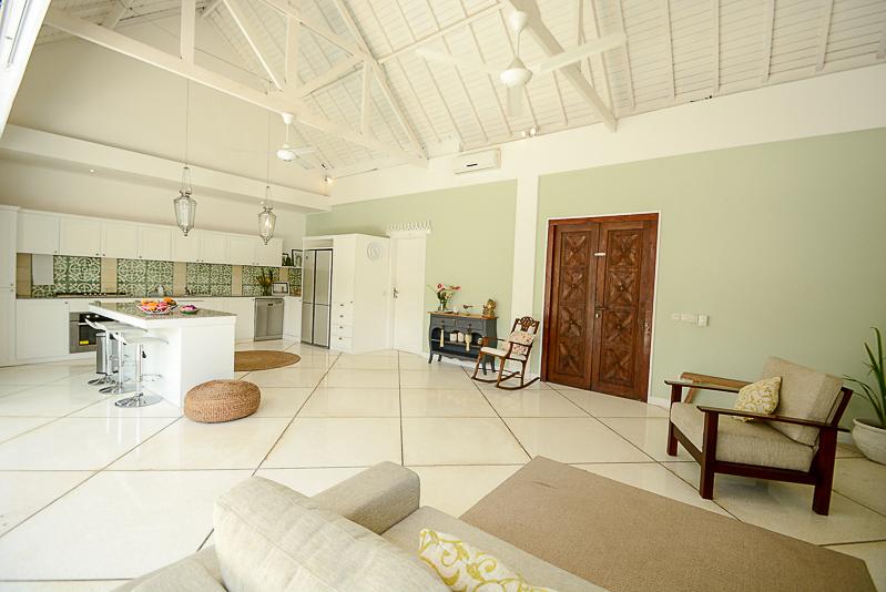 Villa bertingkat dan nyaman di Berawa