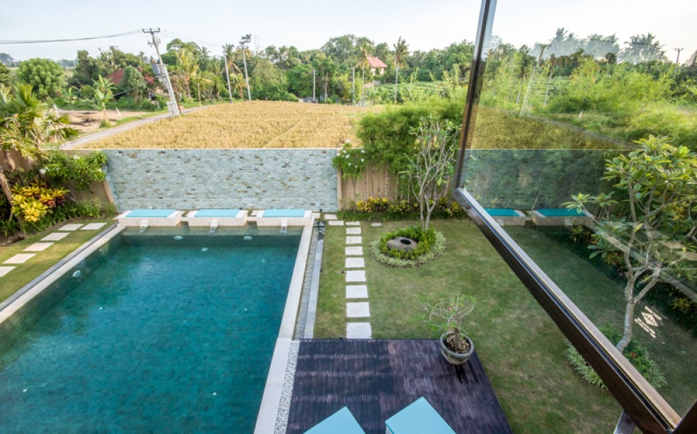 Stuning freehold villa with rice paddies view for sale