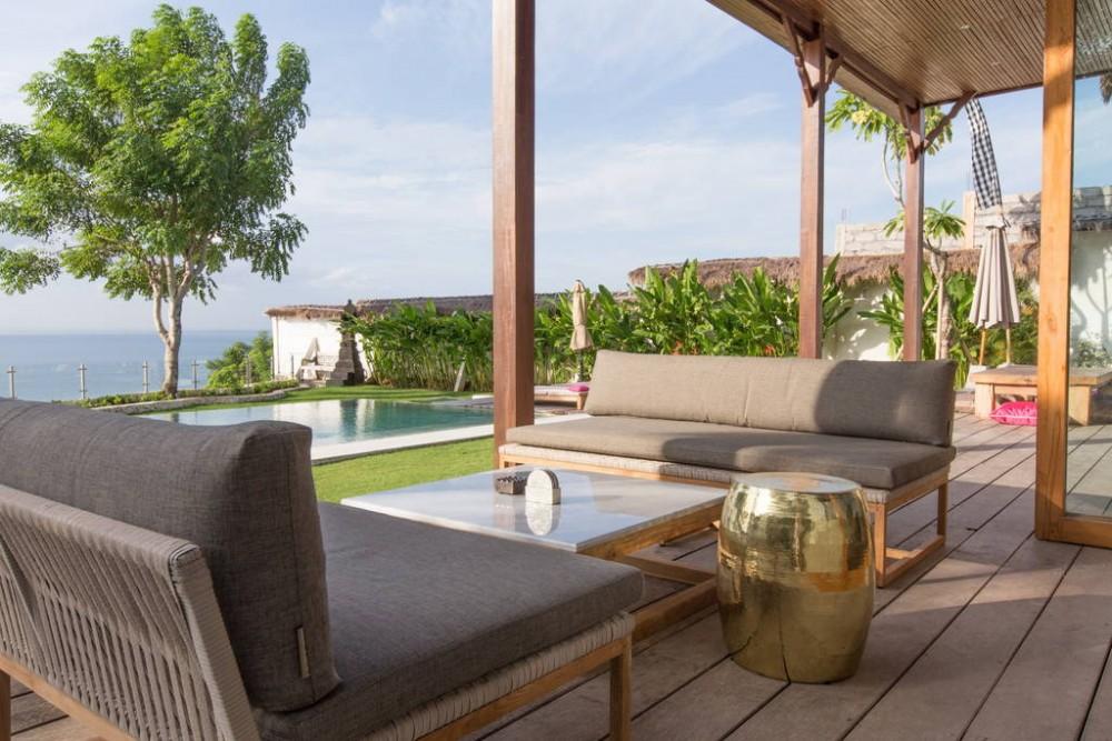 Amazing Tropical Paradise Mansion