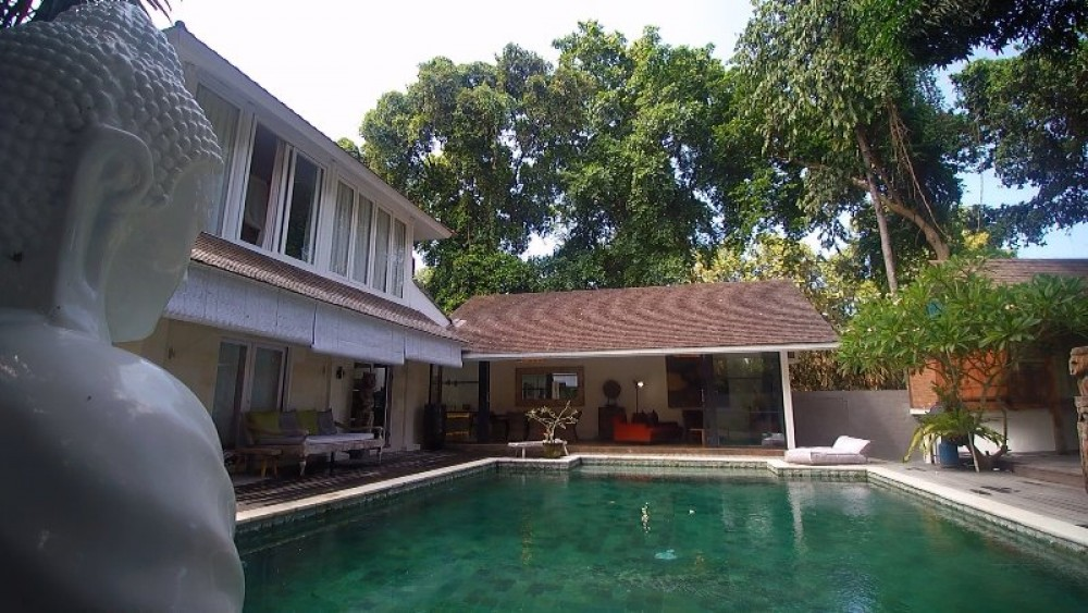 beautiful nice villa in umalas ( available on december 2018 )