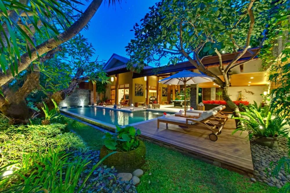 Villa 4BR Kinaree Lux oleh Beach