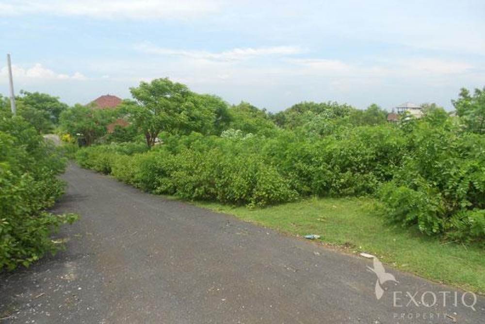 Freehold Land With Spectacular Views For Sale in Bukit
