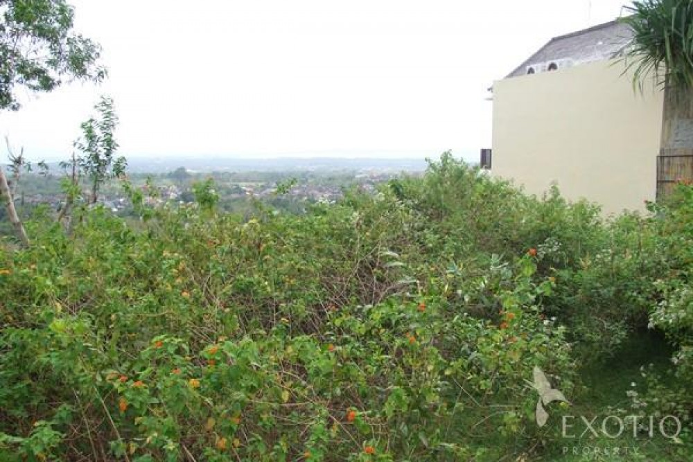 Freehold Land in Luxury Gated Estate With Great Views in Bukit