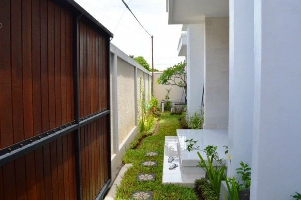 Beautiful three bedroom villa in tegal cupek umalas (available on 7th January 2020)