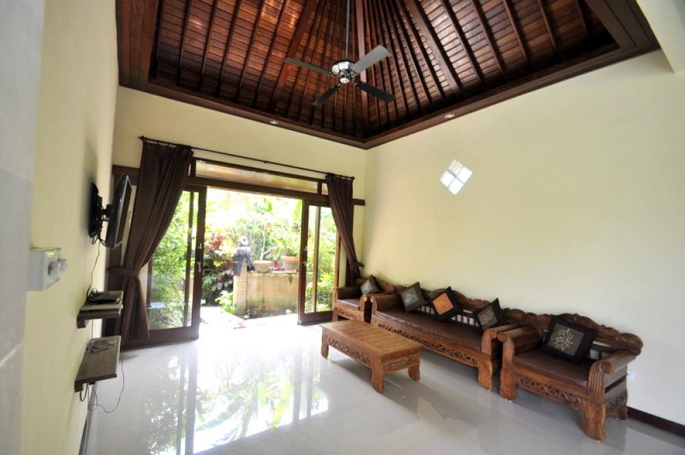 Balinese style house in Penestenan
