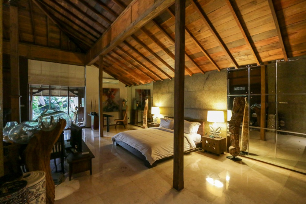 Peaceful freehold villa with spacious land in Seminyak