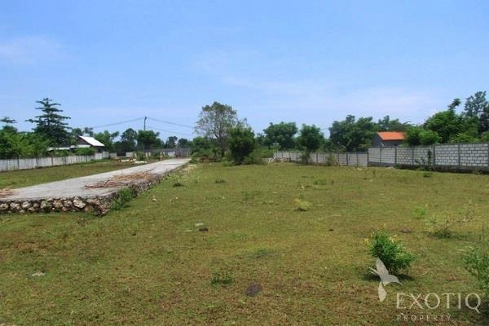 Freehold Land Walking Distance From Beach in Balangan