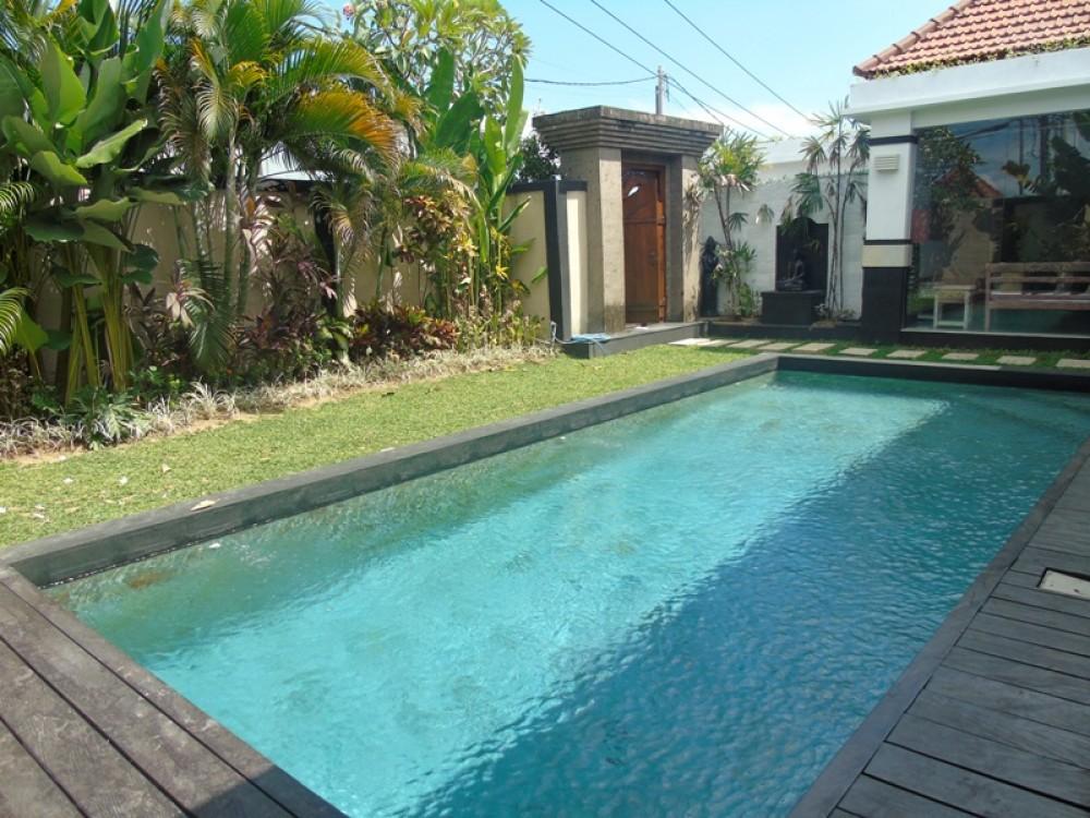 cozy nice villa in bumbak umalas ( available on sept )