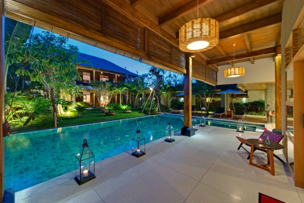 Megah 10 kamar tidur pribadi Villa Seminyak
