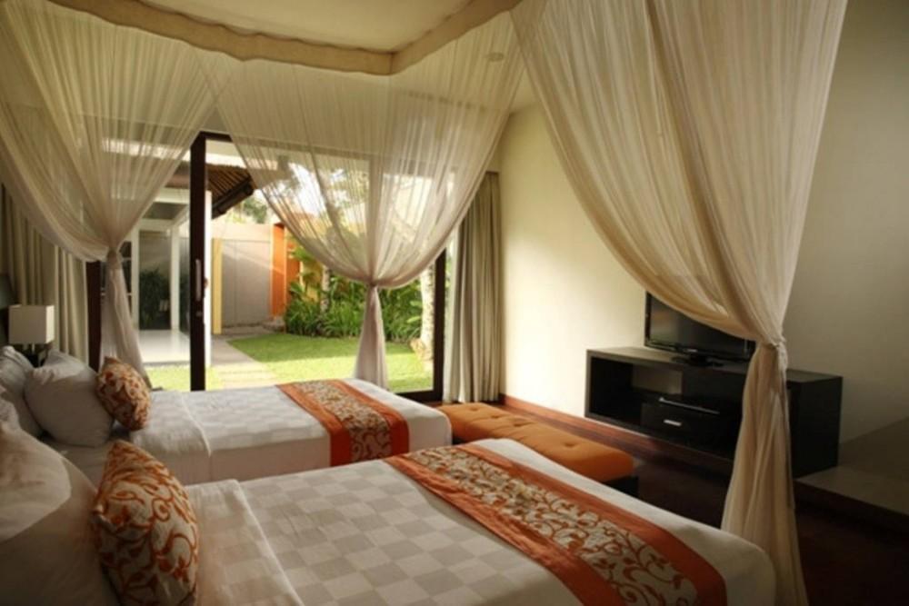 Jerami-mewah 3 kamar tidur Villa -Seminyak