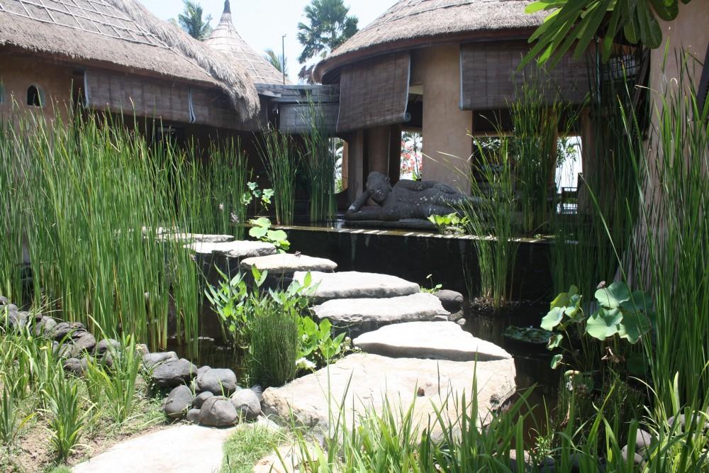 Mewah bungalow villa di Cemagi