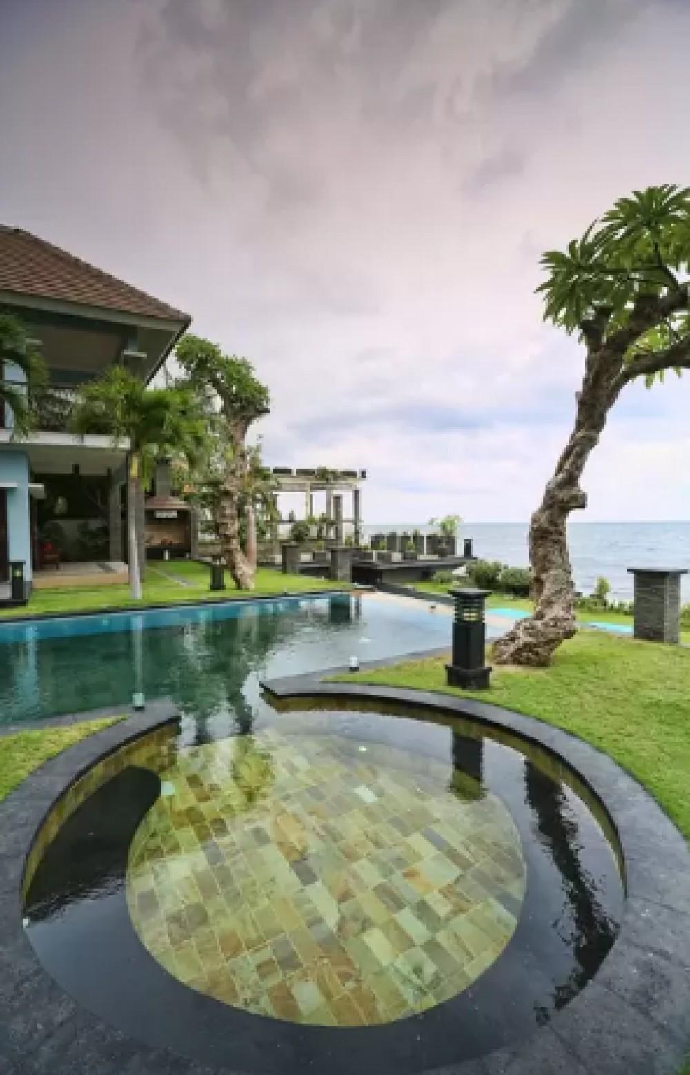 7BR absolute beachfront villa