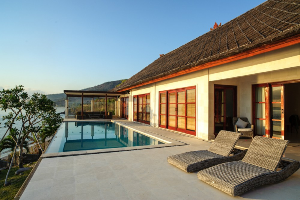 Stunning ocean view villa for sale in Amed