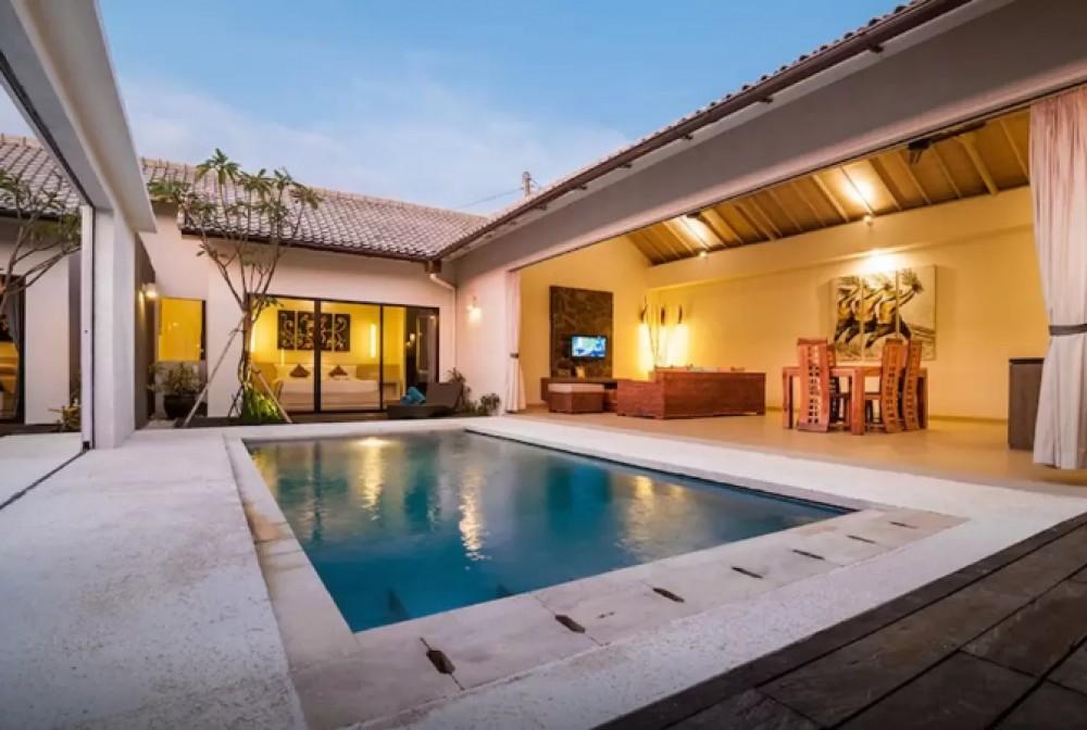 luxe 2 chambres villa avec piscine priv e seminyak kibarer property. Black Bedroom Furniture Sets. Home Design Ideas