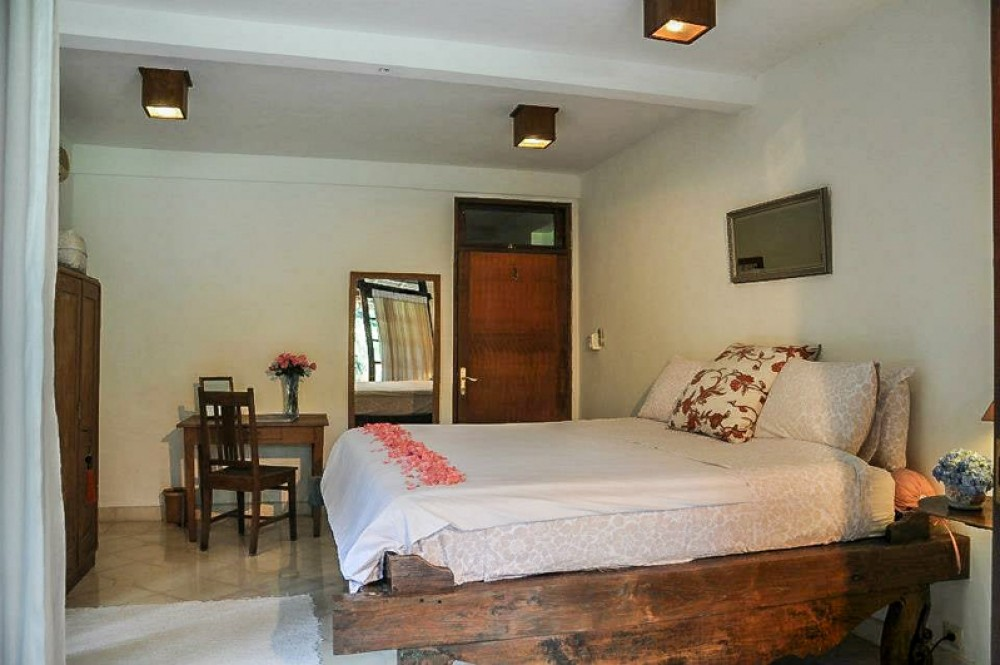 Villa with spacious land for sale in Kerobokan