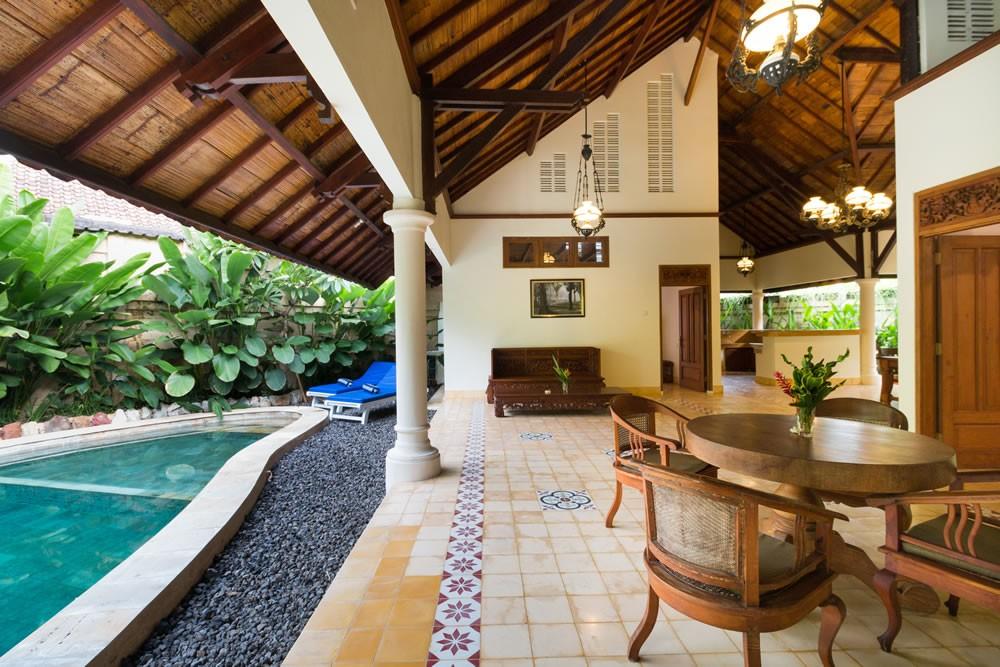 cozy villa in a complex area for living in seminyak