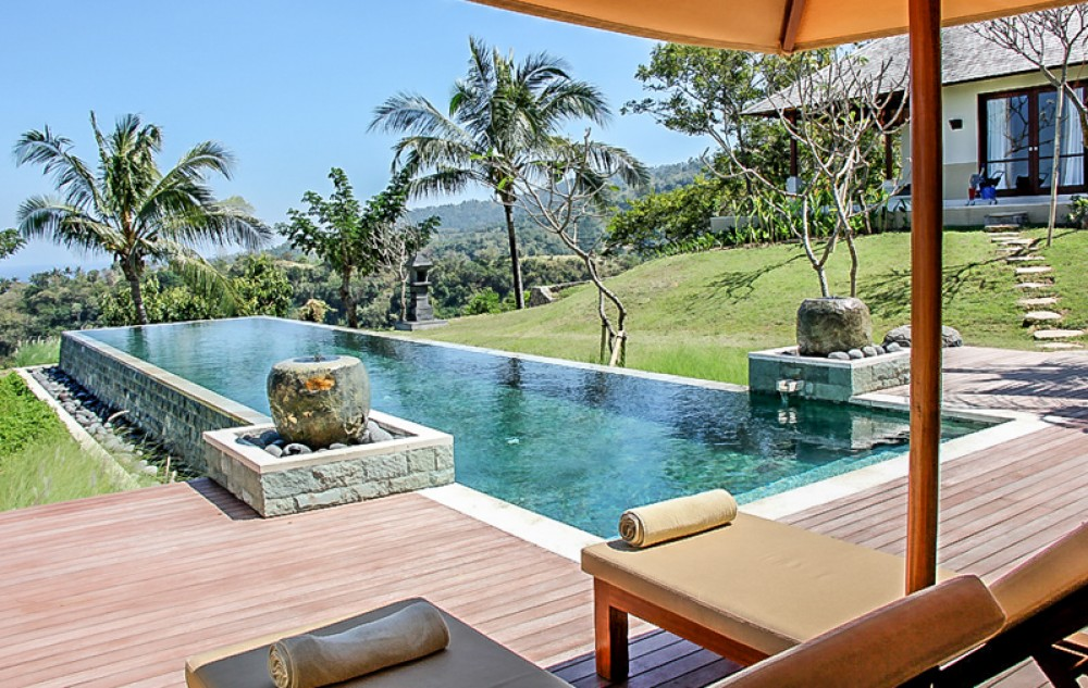 Stunning villa with spacious land for sale in Lombok