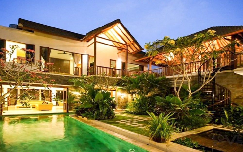 Prime location four bedrooms villa for sale in Seminyak