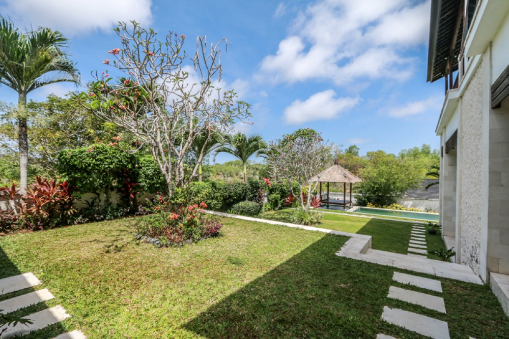 Ocean view freehold villa for sale in Nusa Dua