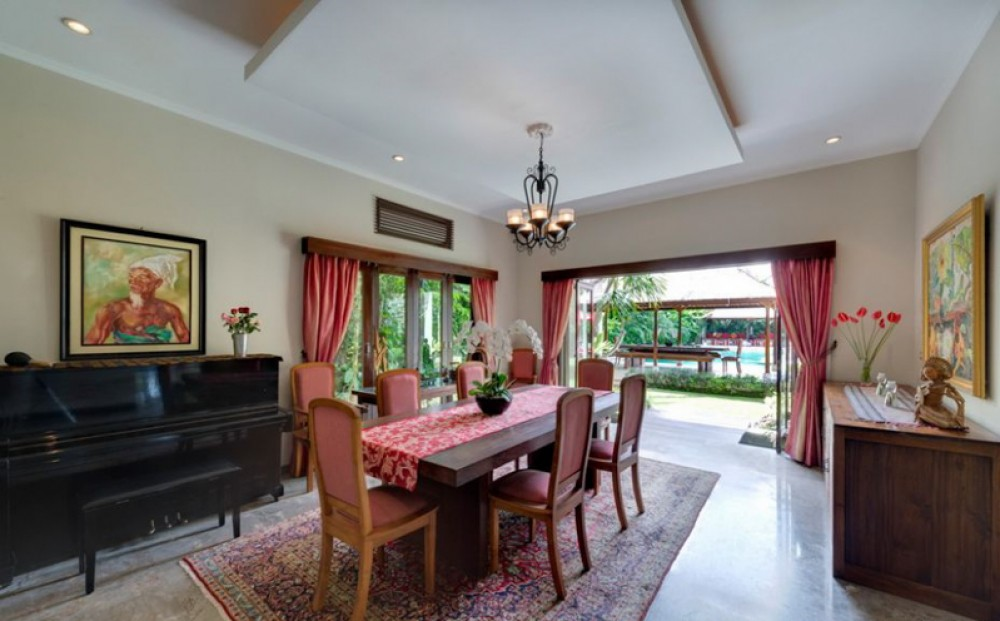 Complex villa with spacious land for sale in Seminyak