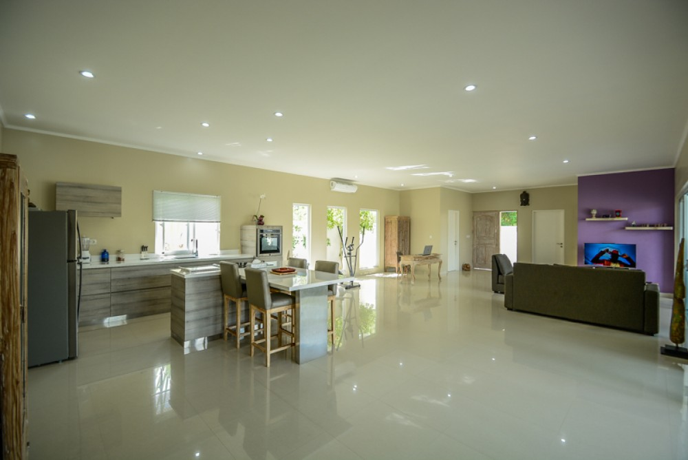 Lovely three bedrooms villa for sale in Ungasan