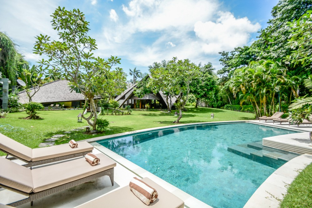 Amazing spacious freehold villa for sale in Umalas