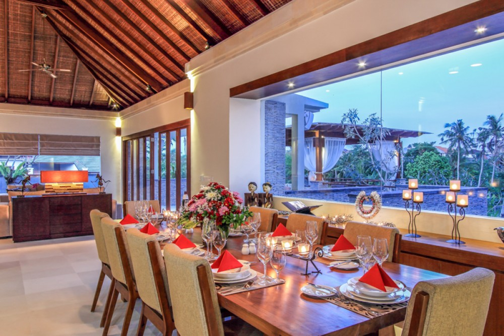 Luxury freehold villa with spacious land for sale in Berawa