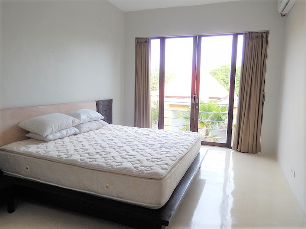 modern minimalist three bedroom villa in petitenget seminyak ( available on October 2019 )