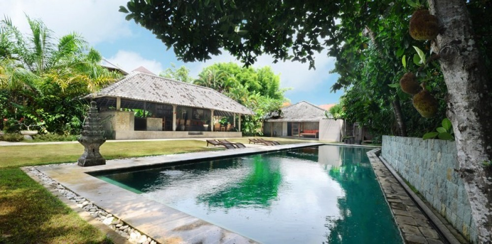 luxury three bedroom villa for living in umalas